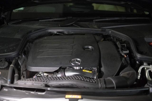ベンツC200AVA エンジンルーム