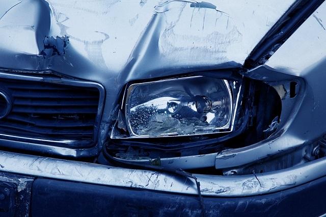 レンタカーに傷が、ぶつけたらどうする?事故後の対処法はシンプル