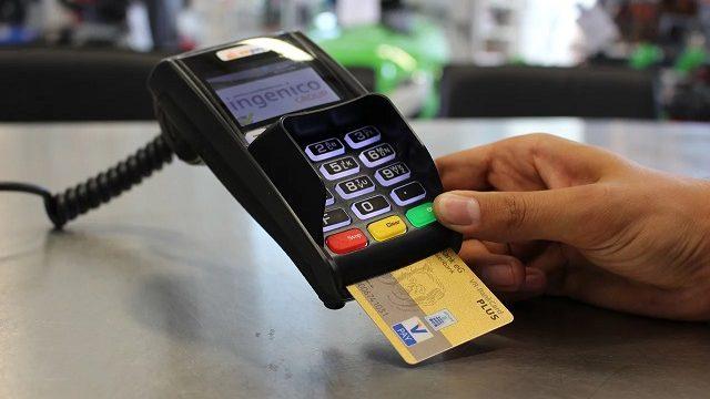 クレジットカードと電子マネーって何が違うの?使い分ければ快適に決済ができる