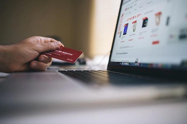 クレジットカードはなぜ有効期限があるの?確認方法や更新方法を丁寧に解説